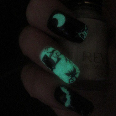 Glow in the Dark Halloween  nail art by NinaB