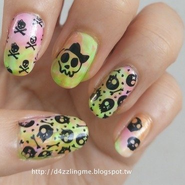 Skull Nails  nail art by D4zzling Me