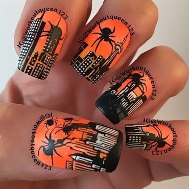 Attack of the giant spiders nail art by Workoutqueen123