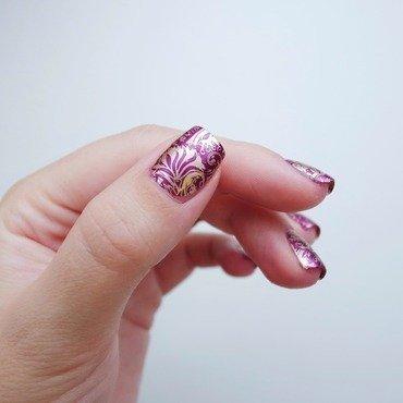 Roaring 20s nail art by Alina E.