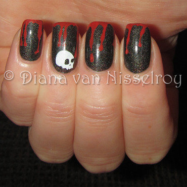 Bloody drips nail art by Diana van Nisselroy