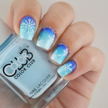 Snowflakes nail art by Julia
