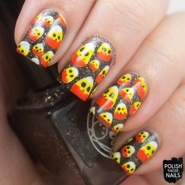 Black glitter candy corn halloween pattern nail art 4 thumb370f