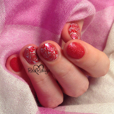 Red roses on holo pink nail art by RedRouge