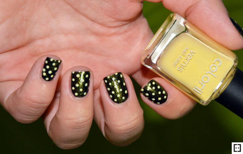 Retro dots  nail art by Sweapee
