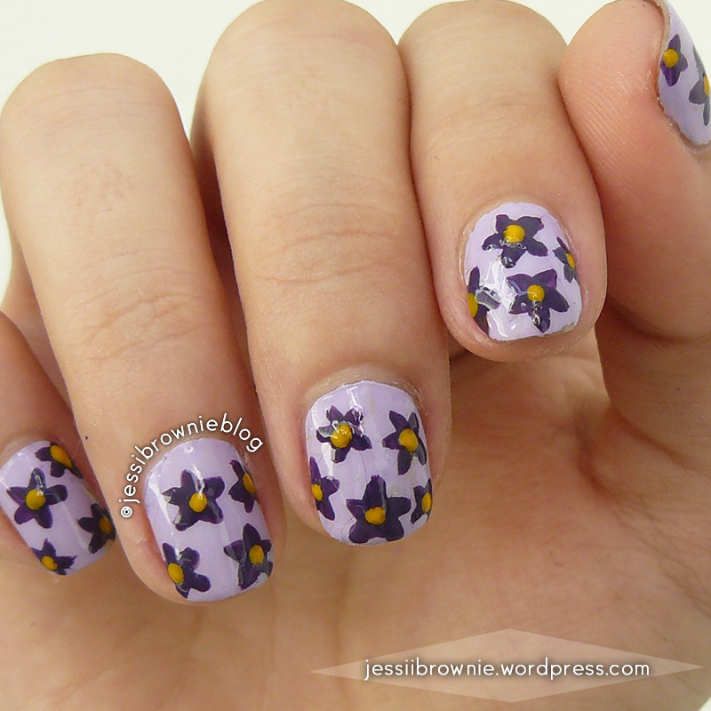 Purple Flower Nails  nail art by Jessi Brownie (Jessi)