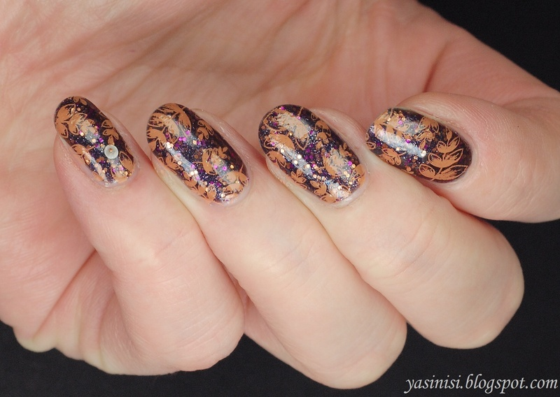 Autumn.. nail art by Yasinisi