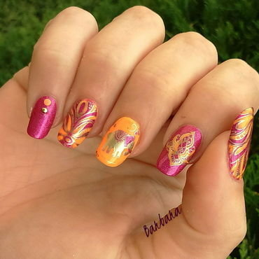 Bollywood nail art by Les ongles de B.