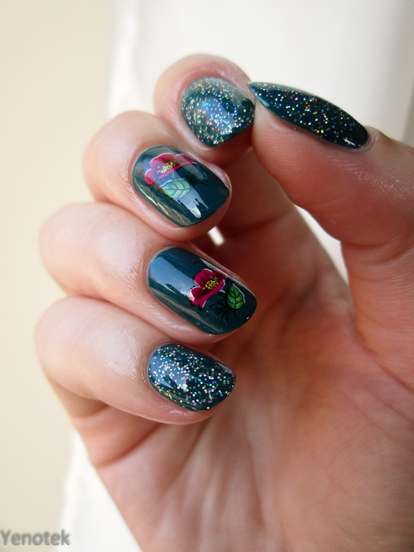 Green, glitter and water decals nail art by Yenotek