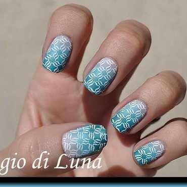 Stamping: White pattern on pastel gradient nail art by Tanja