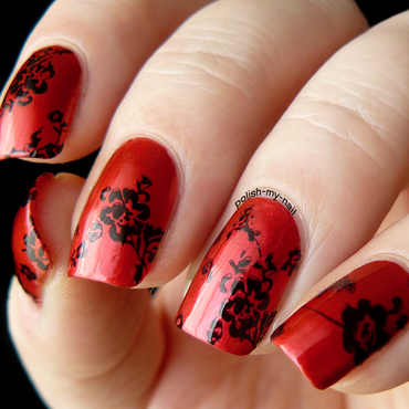 Classic red and black nail art by Ewlyn