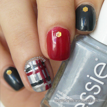 Fashion Plaid nail art by Jessi Brownie (Jessi)