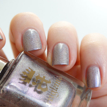 A-England Princess Tears Swatch by Maria