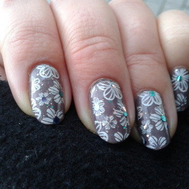 Autumn flowers nail art by Jájis