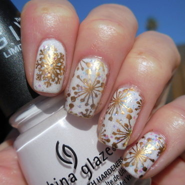 It's Snowtime! nail art by Donner