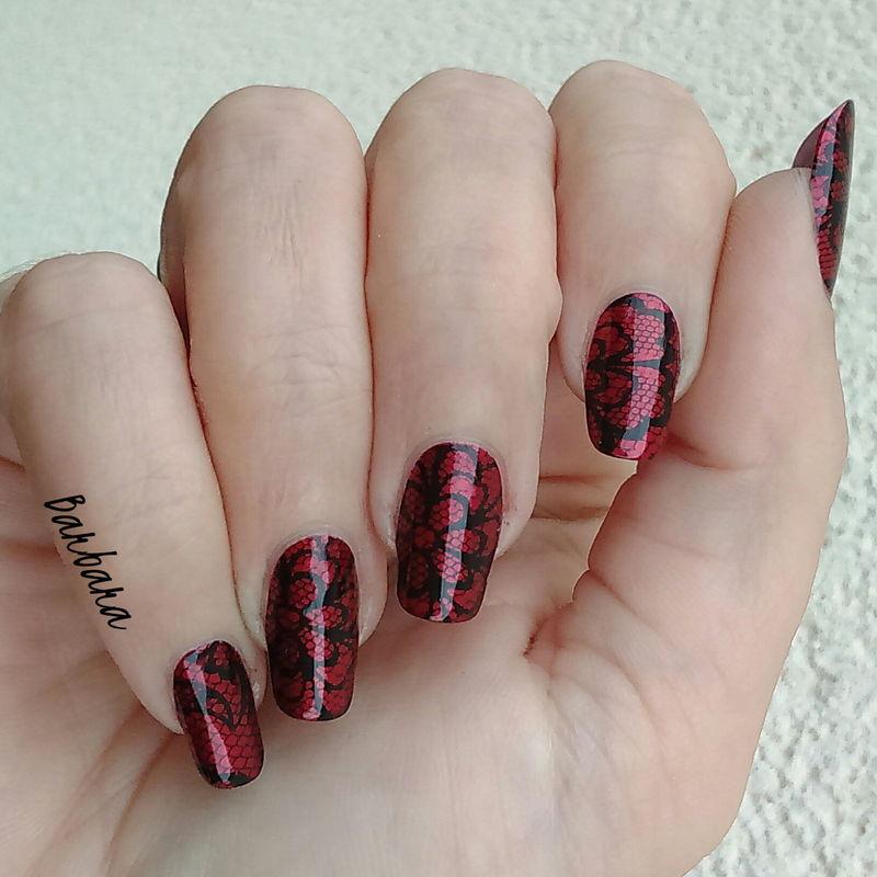 Red&Black nail art by Les ongles de B.
