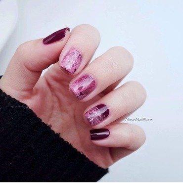 Rosa nail art by Alina E.