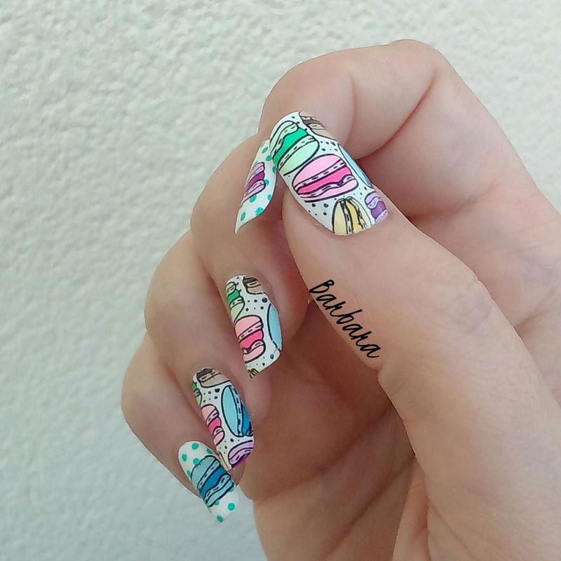 Macarons nail art by Les ongles de B.