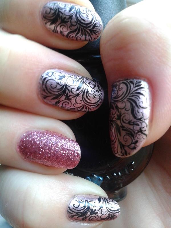 Frozen pink nail art nail art by Jájis
