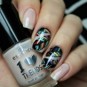 Feathers nail art by Jane