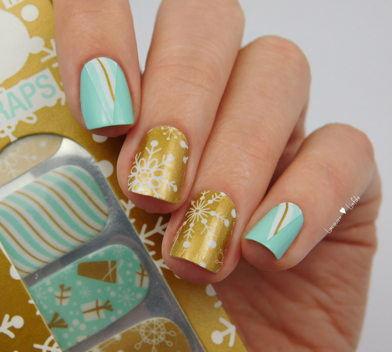 Snow Flake Nail Wraps by Thumbs Up nail art by Anna