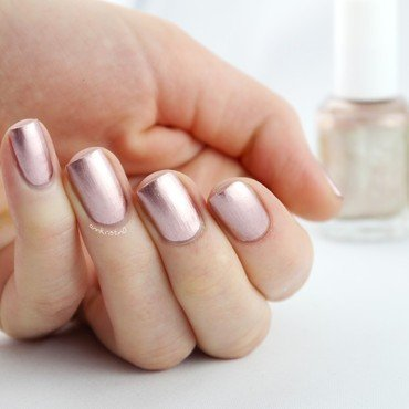 Essie Penny Talk Swatch by Ann-Kristin