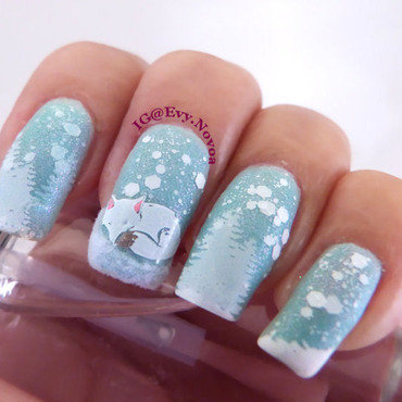 Artic Fox  nail art by Evelyn Novoa