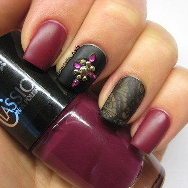 Burgund blink nail art by specialle