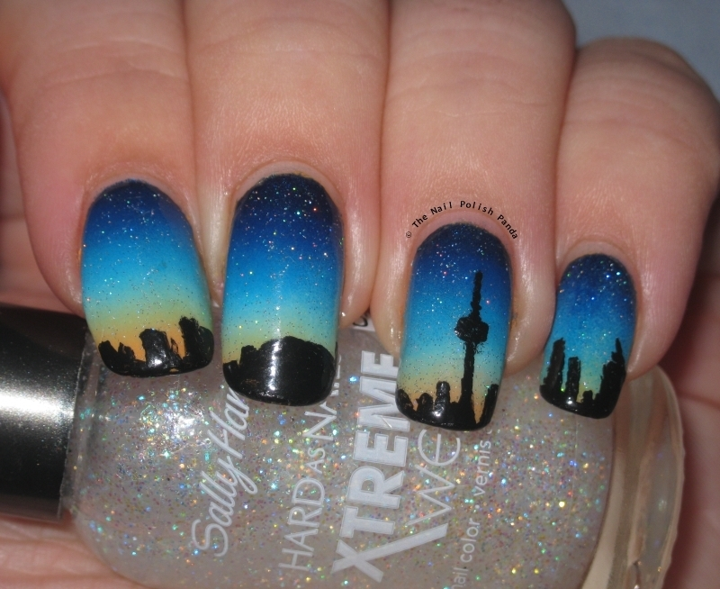 Toronto Skyline nail art by Lynni V.