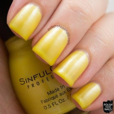 Sinful colors burst of fresh flair yellow shimmer swatch 3 thumb370f