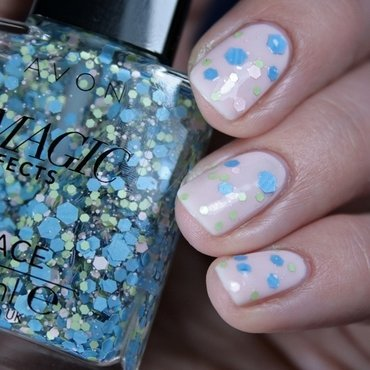 Avon Gel Finish Sheer Love and AVON Magic Effects Lace Pretty Pastels Swatch by Romana