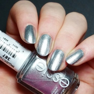 Essie Après-chic Swatch by nailicious_1