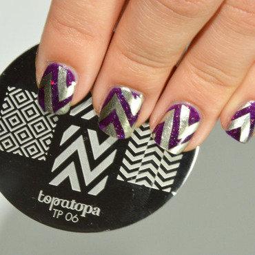 Chevron nails toptopa foxy paws nail art by Sweapee