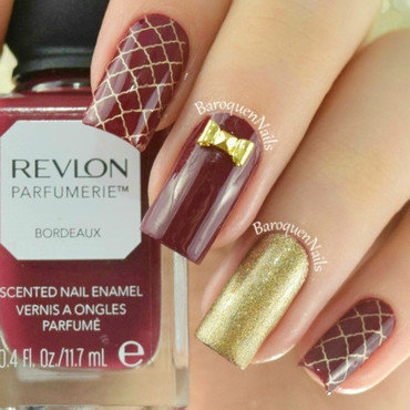 Gold Quatrefoil nail art by BaroquenNails