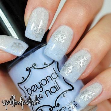 A Blue Snowfall nail art by Maddy S