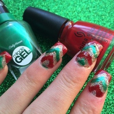 Christmas Chevron Nails nail art by Charlotte