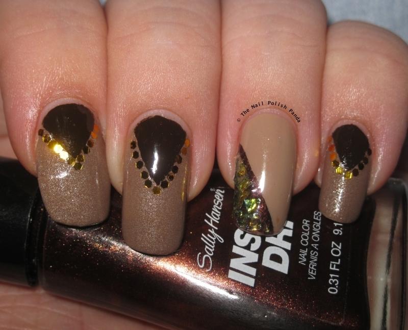 Neutral Chevrons nail art by Lynni V.