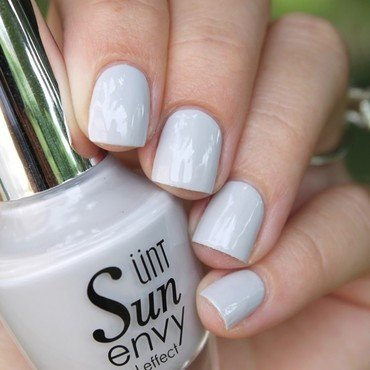 UNT Grey Area Swatch by Cocosnailss