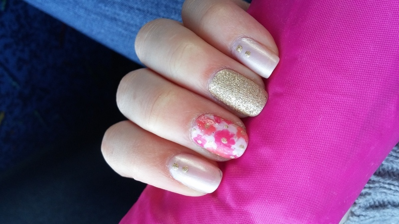 floral nails nail art by Maya Harran