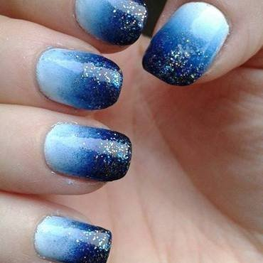 Blue gradient with glitters nail art by Barbora Balejova