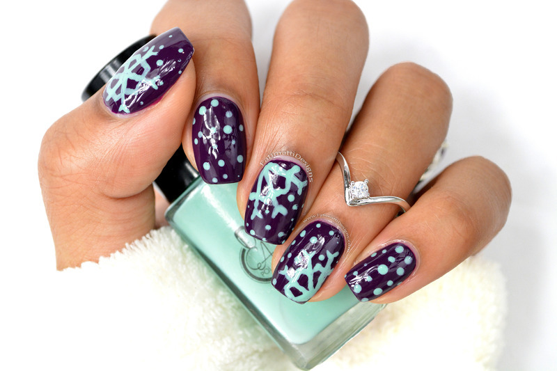 Easy Snowflakes nail art by Fatimah