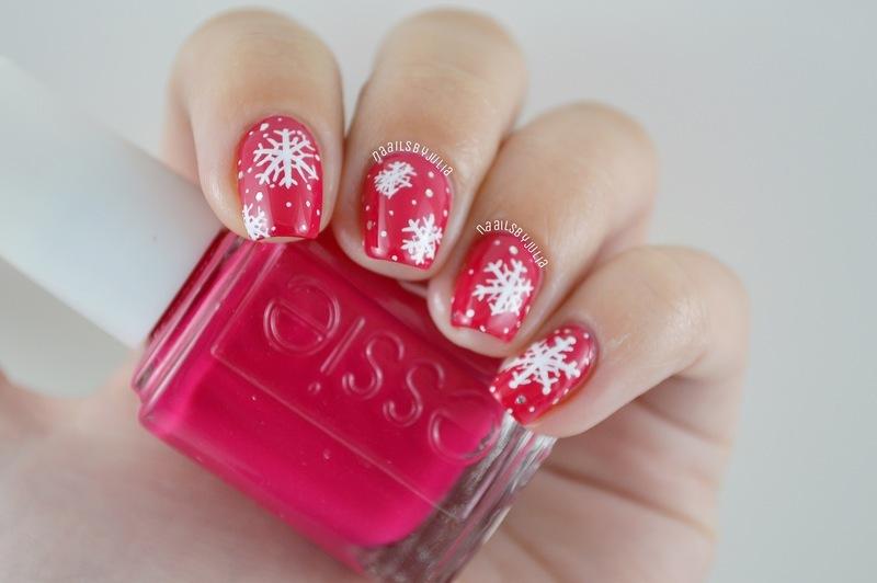 Another snowflake mani nail art by Julia