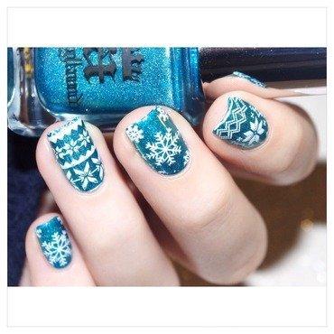 SnowFlake nail art by Bulleuw