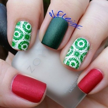 30DoCC 12-07-2015 Wreaths nail art by Jenette Maitland-Tomblin