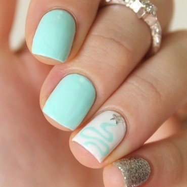 Mint Christmas nail art by Cocosnailss