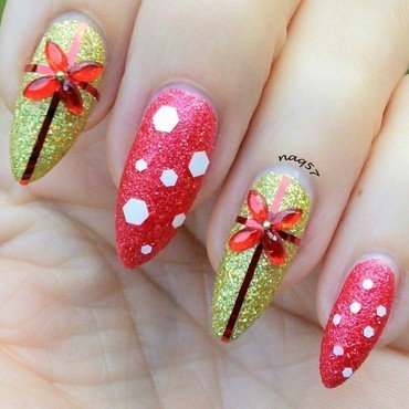 Gift Wrapped nail art by Nora (naq57)