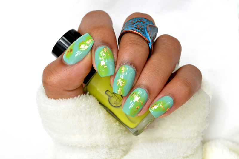 Sponged and Gold Flakes nail art by Fatimah