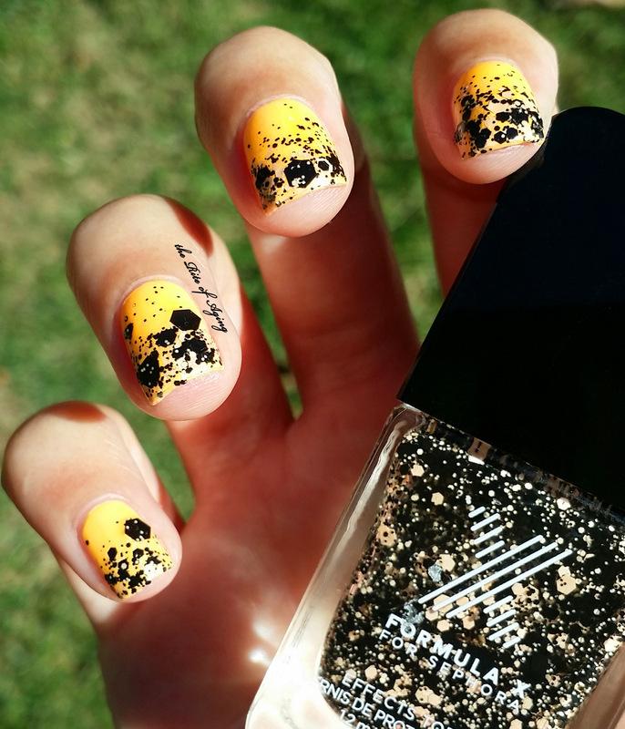 Halloween Gradient nail art by Monica