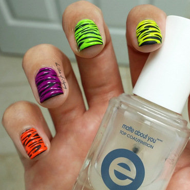 Neon Sugar-Spin nail art by Monica