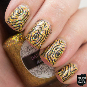 Golden Rings nail art by Marisa  Cavanaugh